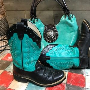 Old West western Boots. Size 8 & matching purse!